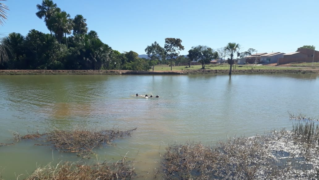 O garoto foi resgatado minutos após ter desaparecido nas águas (Fonte: Divulgação 11º BBM)